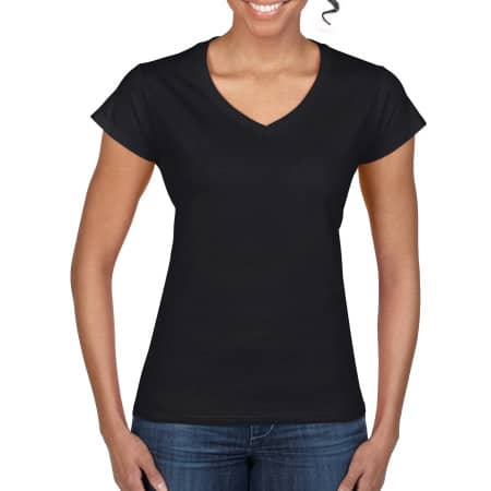 Softstyle® Ladies` V-Neck T-Shirt in Black von Gildan (Artnum: G64V00L