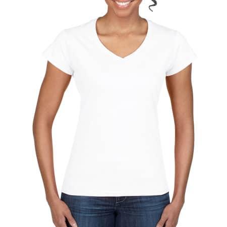 Softstyle® Ladies` V-Neck T-Shirt in White von Gildan (Artnum: G64V00L